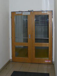 Drevené protipožiarne dvere s presklením